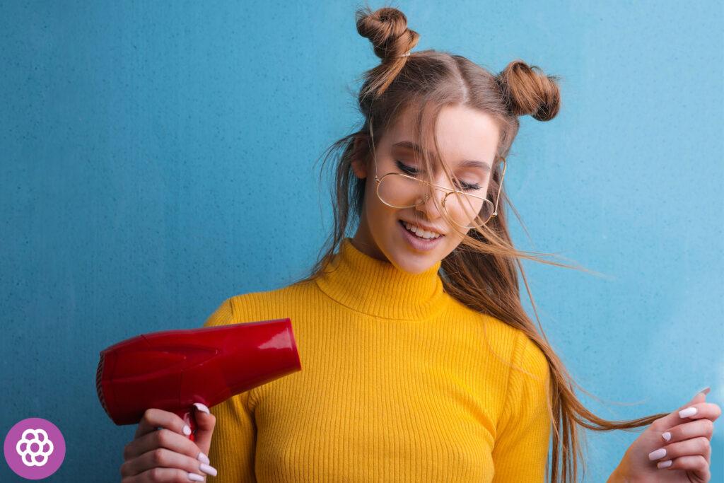 Czy można prostować mokre włosy?