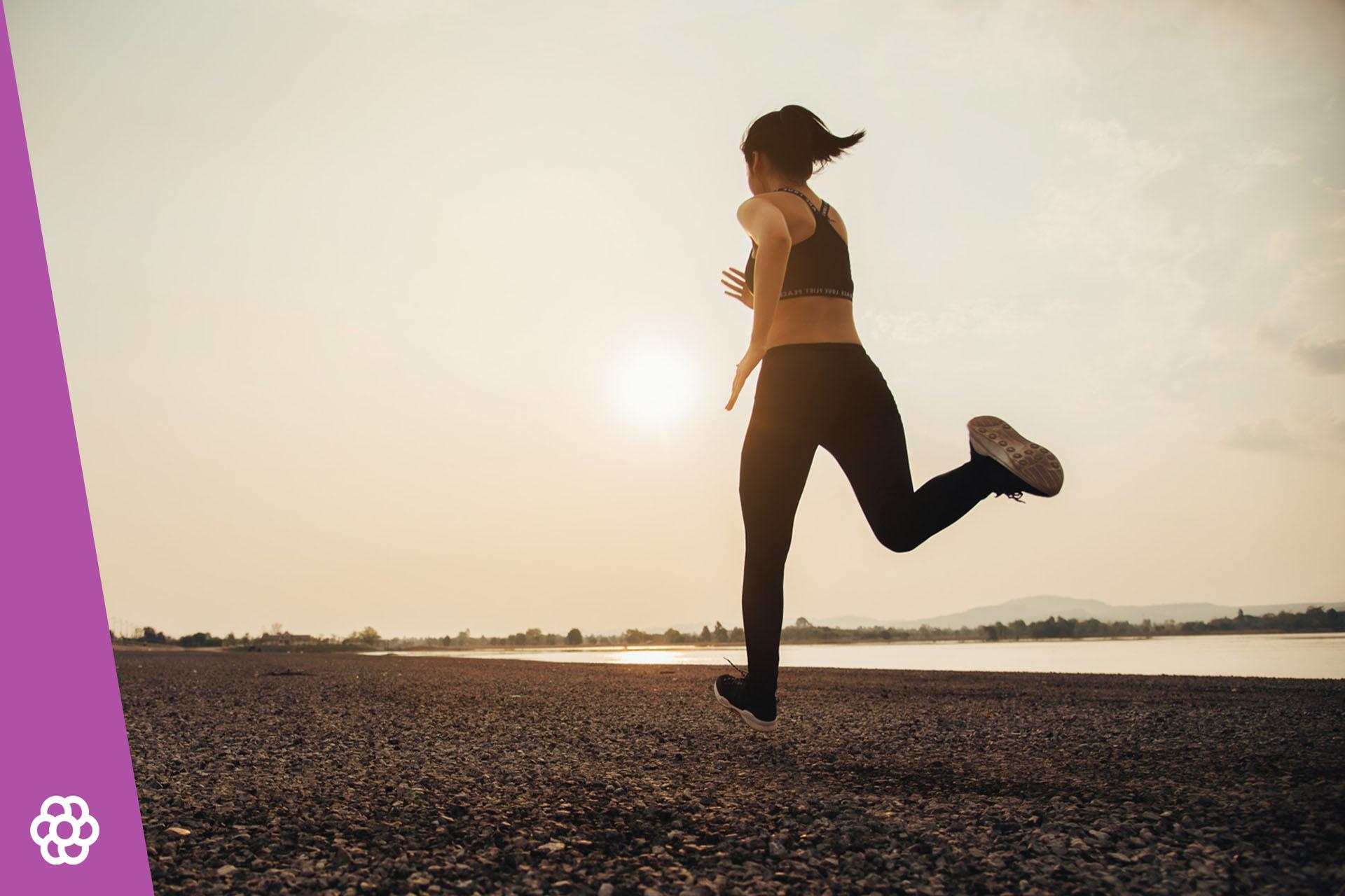 Kiedy bieganie jest najefektywniejsze – rano czy wieczorem? Kiedy biegać?
