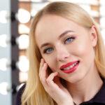 Makijaż dla blondynek z niebieskimi oczami