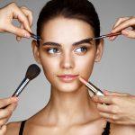 Makijaż dla brunetek - jaki róż i cienie?