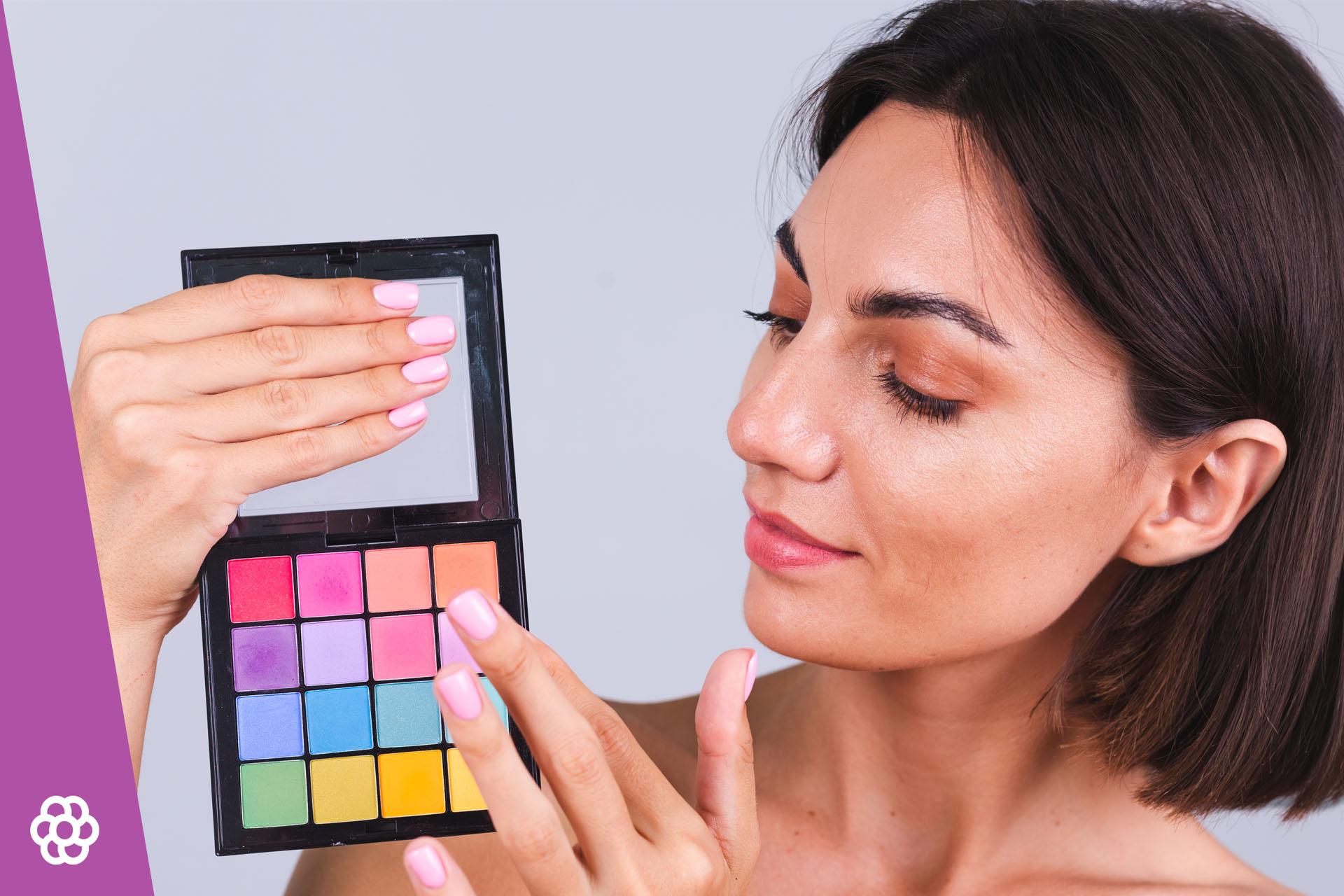 Makijaż dla brunetek o niebieskich oczach