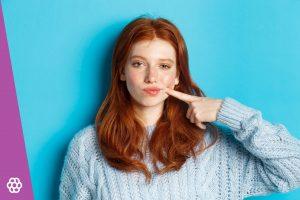 jaka szminka do rudych włosów